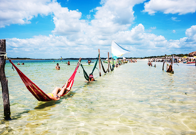Passeio para 1 pessoa com Transporte para Praia de Maceió, Barreiras e Lagoa do Paraíso + Hospedagem + café da manhã + Guia de Turismo de R$260 por R$230