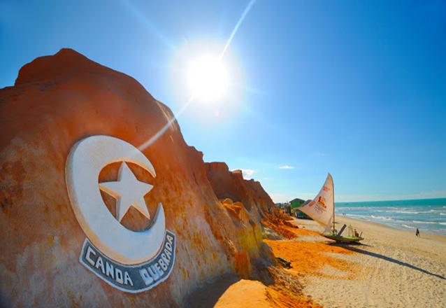 Praia do Morro Branco, Praia das Fontes e Canoa Quebrada em 1 dia! Passeio em 3 praias para 1 pessoa + 10% de desconto em passeio de buggy + 1 Caipirinha por R$34,90