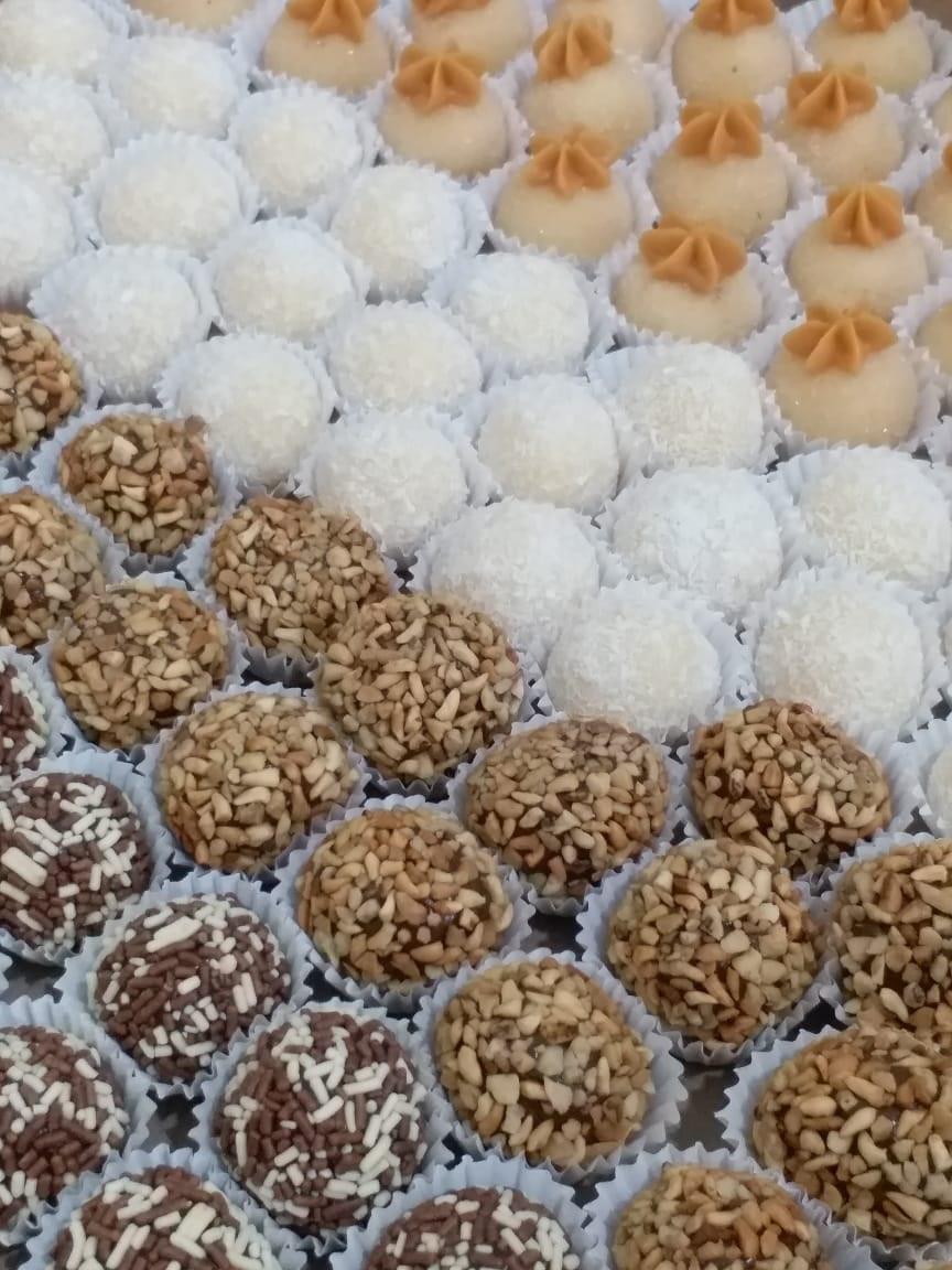 50 doces tradicionais (até 2 sabores) de R$40 por R$35,90