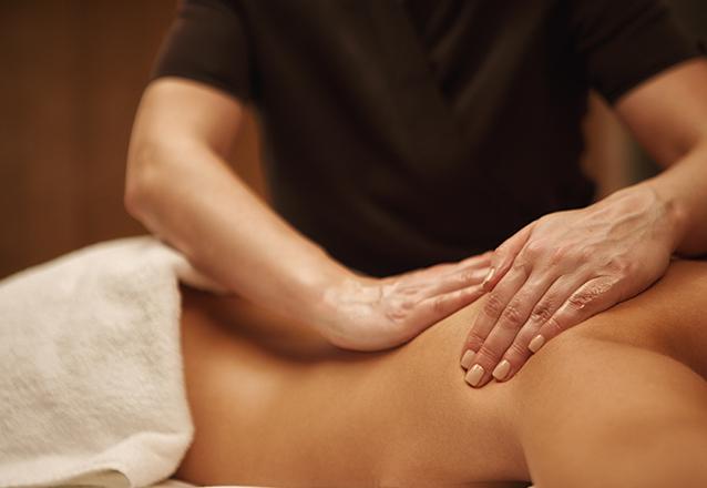 Você merece uma massagem! 40 minutos de Massagem Relaxante ou Desportiva de R$90 por apenas R$50 na Marvorê Estética