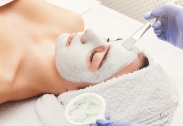 Limpeza de pele com sucção e cureta (produtos Adcos) de R$99,90 por apenas R$39,90