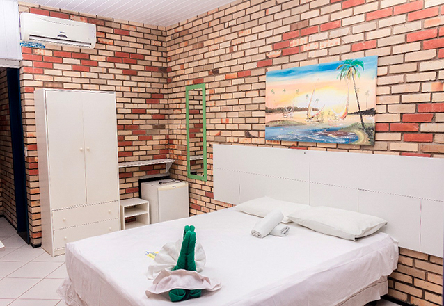 Parajuru até 2019! 2 diárias para 2 adultos e 1 criança + café da manhã por apenas R$359 no Praia Hotel - Parajuru  em até 3x sem juros