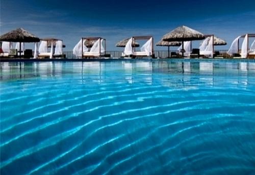 Natal no luxuoso Hotel Long Beach, em Canoa! 2 diárias no Natal para 2 adultos + Ceia de Natal e café da manhã no Bangalô Vista Jardim ou Apto Luxo por apenas R$960