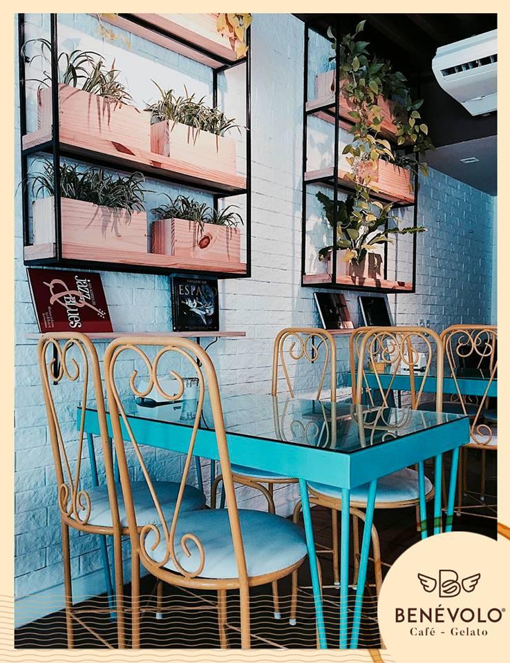 Venha se deliciar na Benévolo Café e Gelato! 1 Bola de sorvete de qualquer sabor de R$10 por apenas R$4,99. Válido para as 3 lojas!