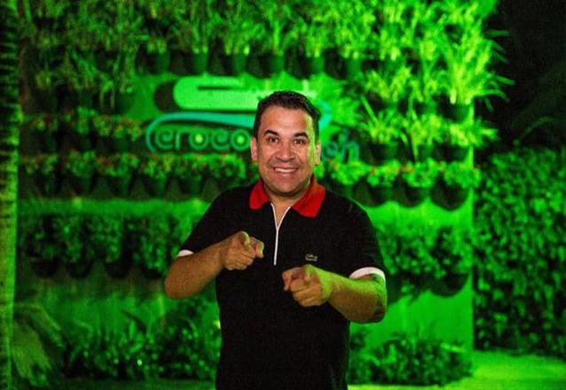 Às quintas divirta-se na CrocoBeach! Ingresso Show de Humor com Dion Queiroz, Mastrogilda, Eri Soares e Forró Pé de Serra de R$30 por apenas R$20