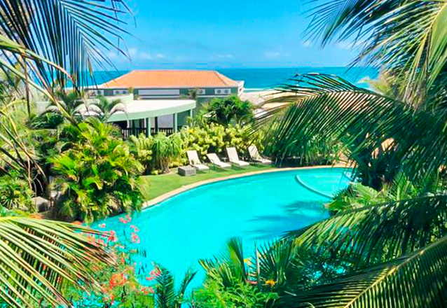 4 diárias para 2 adultos em suíte Premium Casal Vista Mar+ Welcome Drink por apenas R$999 em até 6x sem juros