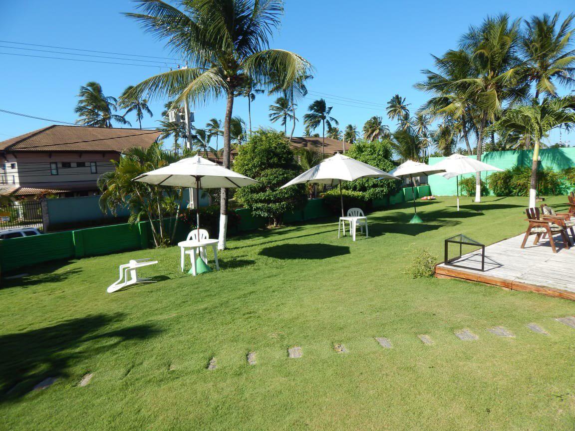 Um dia com muito laser no Cumbuco! Day use + Almoço para até 3 pessoas (Tilápia frita ou Peixada Cearense) + Acesso a piscina para 2 pessoas no Hotel Terra do Sol de R$90 por apenas R$59,90