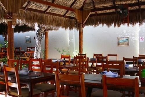 Cantinho do Frango, eleito o melhor restaurante de Fortaleza pelo Sabores da Cidade e pela Veja Comer e Beber de 2018! Frango no Bagaço de Cana do Engenho de R$19,90 por apenas R$14,90 (Prato Individual)