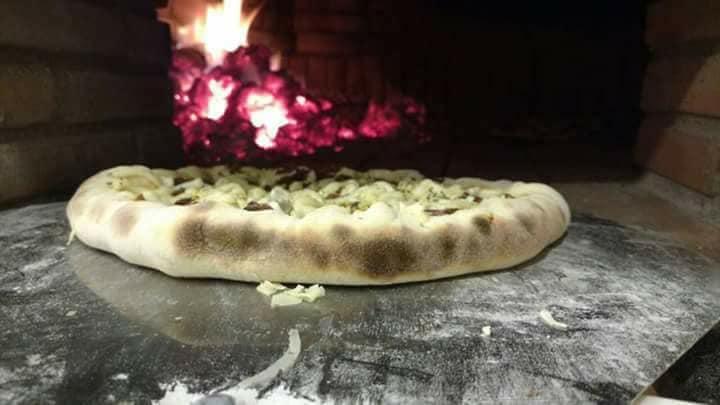 Rodízio de Pizza Completo + Petiscos + Refri para 1 pessoa (válido segunda, quarta e quinta) por apenas R$19,90
