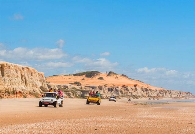 Conheça o litoral Cearense em 1 dia! Passeio por 3 Praias do Litoral (Morro Branco, Praia das Fontes e Canoa Quebrada) para 1 pessoa por apenas R$44,90 com a Sim 7 Turismo