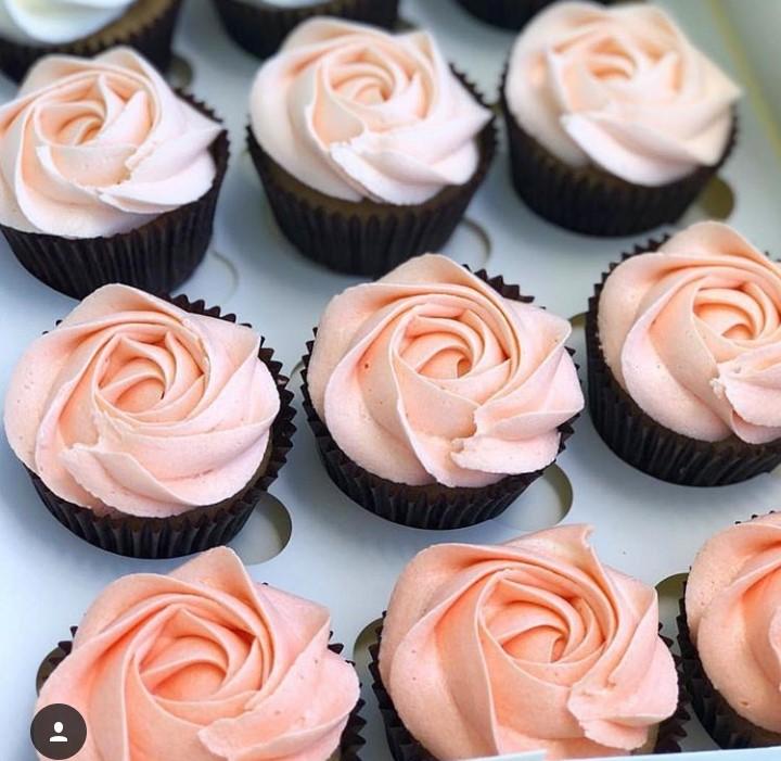 6 Cupcakes decorados com chantininho de R$29,90  por apenas R$23,90
