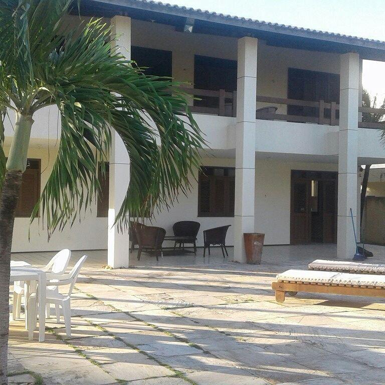Vem curtir no Cumbuco! 2 diárias para 2 adultos e 1 criança + Café da manhã na Casa Ceará Cumbuco por apenas R$199,90