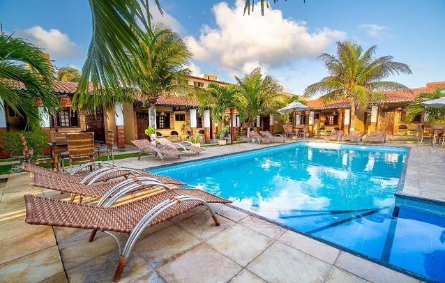 Aproveite dias de descanso no Hotel Jangada da Caponga! 2 diárias para 2 adultos e 1 criança de até 10 anos + café da manhã por R$388 no Hotel Jangada da Caponga