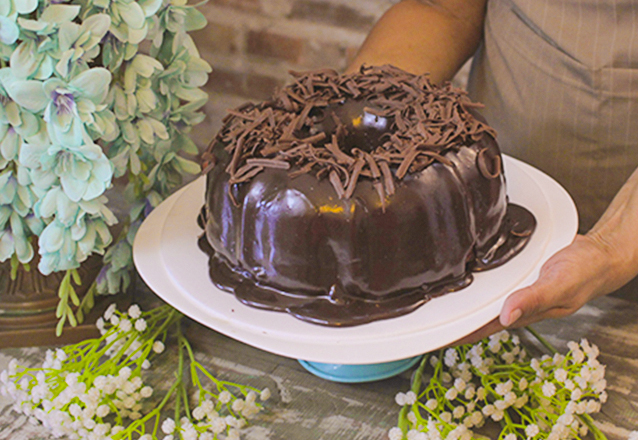 1 Bolo Grande de Chocolate para até 20 pessoas de R$69,90 por apenas R$51,90