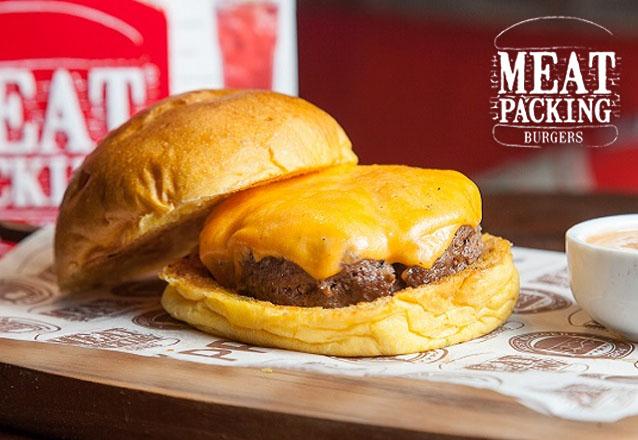 RELÂMPAGO: PCQ Smash (Burger 100g) ou Smash Salad (Burger 100g) de R$17,90 por apenas R$11,99!