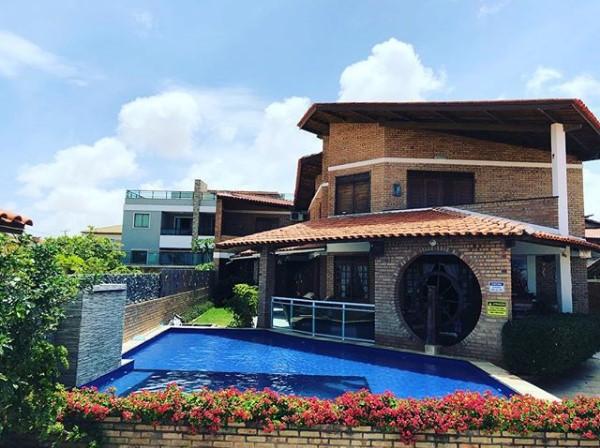 Tenha dias maravilhosos em Flecheiras! 2 diárias (todos os dias) em suíte para casal + café da manhã de R$500 por apenas R$430