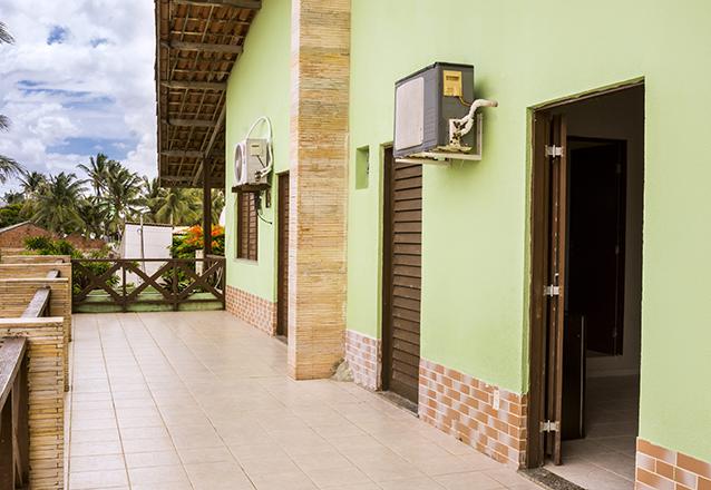 1 diária (domingo a quinta) em quarto para casal em piso térreo para 2 adultos e 1 criança até 5 anos + café da manhã de R$250 por apenas R$140