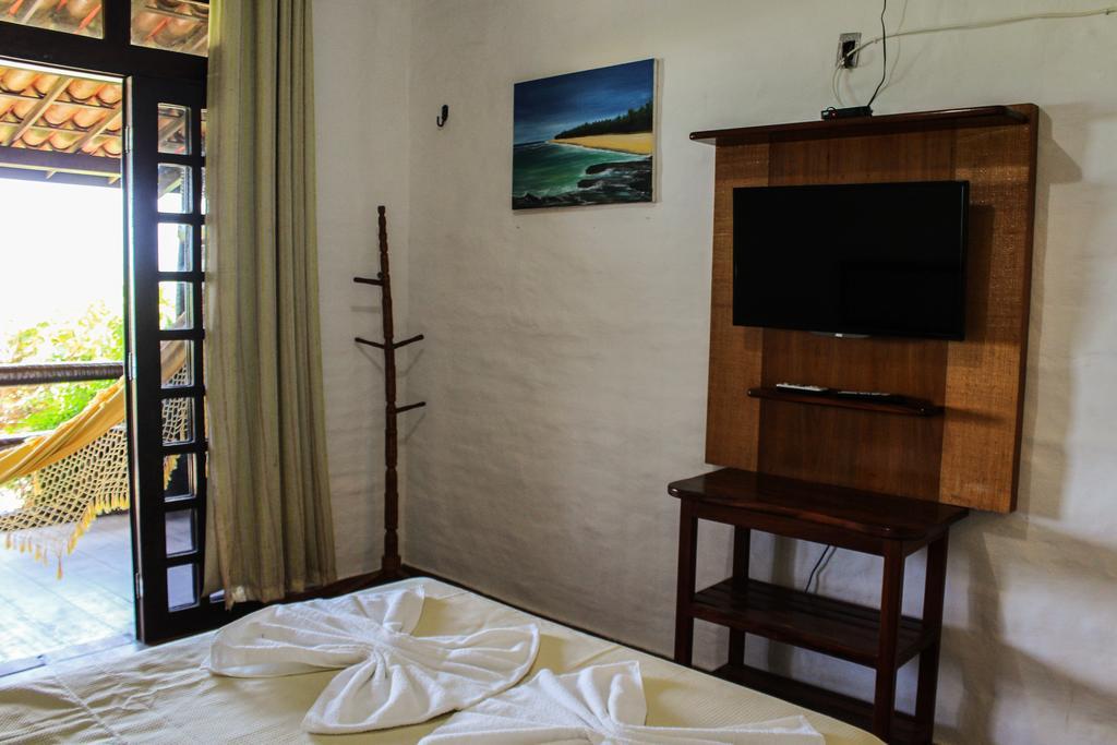 A melhor pousada é a Vira Sol em Flecheiras! 2 diárias para 2 adultos e 1 criança + café da manhã de R$500 por R$299