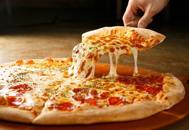 Aquele Rodízio que todo mundo ama!  Rodízio de Pizzas e Esfihas para 1 pessoa no Esfiha & Cia de R$27,90 por apenas R$21,90