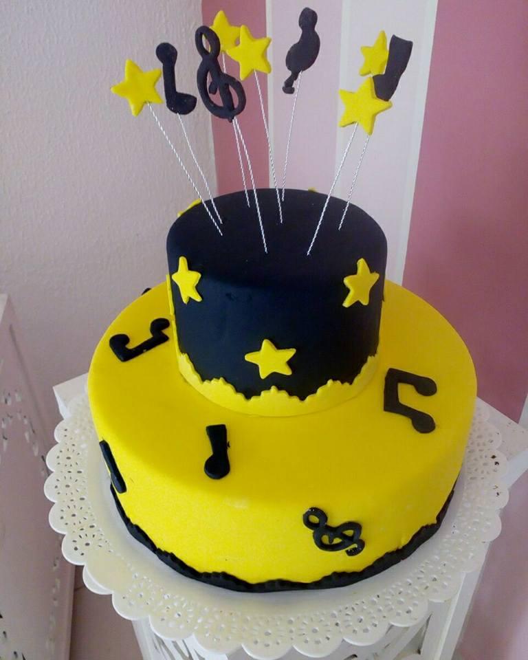 Scrapcake para 15 pessoas + 15 Cupcakes de R$129,90 por apenas R$99