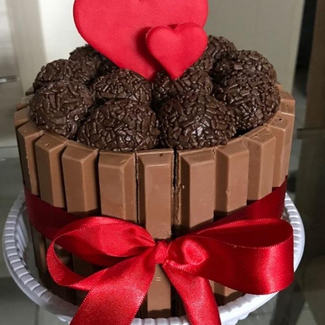 Perfeito para comemorações especiais! 1 Mini Bolo Amanteigado de R$45 por apenas R$29,90 na Biju Doces
