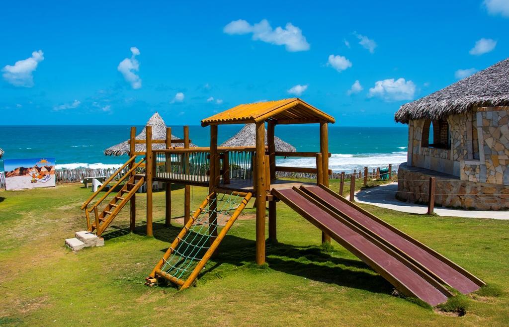 Dezembro 15 a 27 (check in domingo a quarta) com 2 diárias em Apartamento Jardim/Parque com All Inclusive para 2 adultos e 1 criança de até 10 anos de R$1.590 por R$1.184