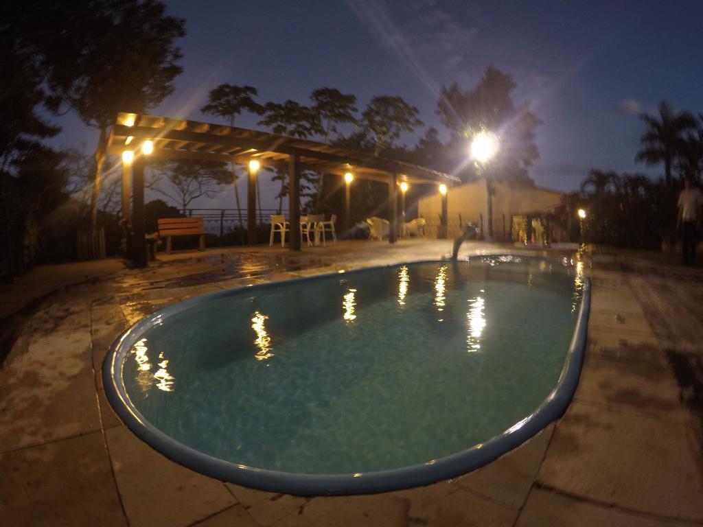 2 diárias (de domingo a quinta) na Suíte Premium para casal + café da manhã + R$100 reais de crédito no restaurante do Hotel de R$729 por R$550