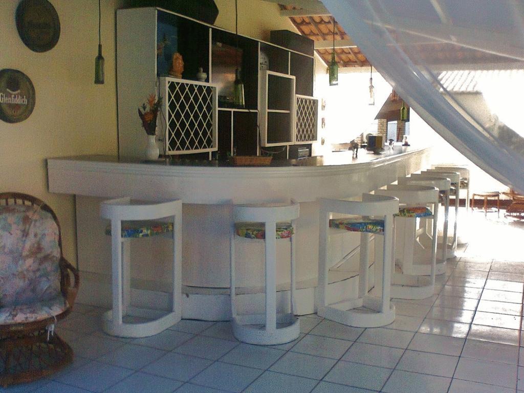 1 diária (semana) para 2 adultos + café da manhã de R$290 por R$195