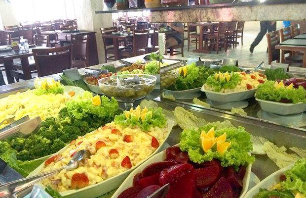 Sucesso de vendas no Barato! Rodízio de Carnes + Buffet para 1 pessoa no Almoço ou Jantar por R$35,90 na Gheller Churrascaria
