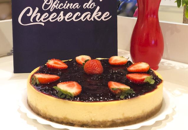 A primeira empresa no Ceará especialista em Cheesecakes: Oficina do Cheesecake! 1 Cheesecake Grande de Frutas Vermelhas para até 12 pessoas de R$120 por apenas R$96