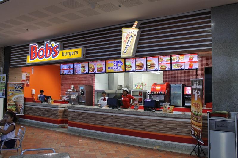O clássico do Bob's está de volta! 1 Milk Shake P do Bob's de 300ml de R$10 por apenas R$6,50. Válido para Shopping Iguatemi, Benfica e North Shopping Jóquei. Válido para todos os dias e também feriados!