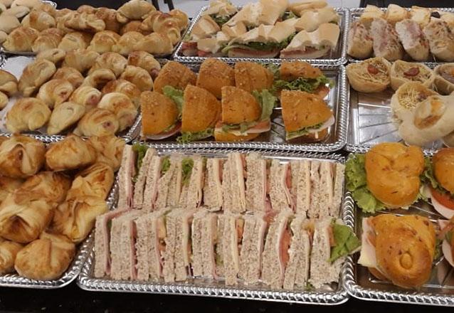 Você merece um café da manhã especial! Café da manhã para 1 pessoa com Buffet Livre + Tapioca + Misto + Suco na Casa Portuguesa de R$23,80 por apenas R$14,90