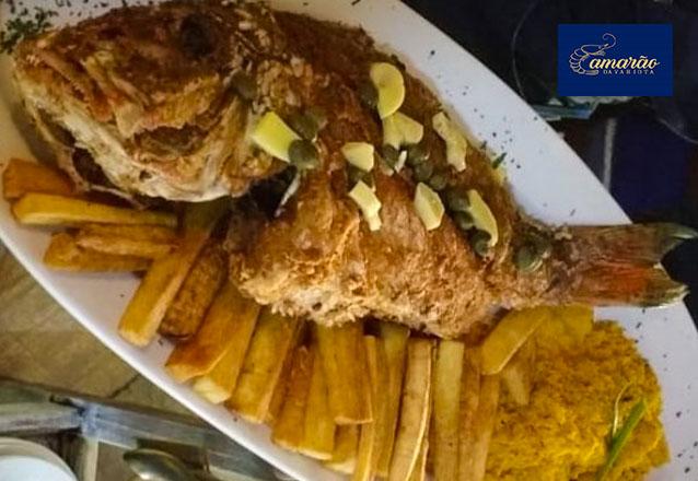 Difícil escolher o melhor! Peixe Pargo Frito ou Peixada de Pargo para 2 pessoas no Camarão da Varjota de R$84,90 por apenas R$59,90