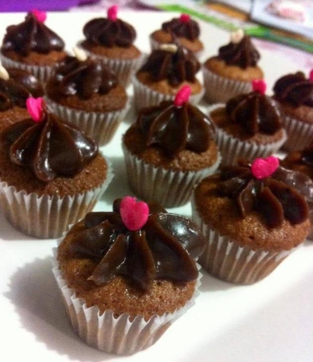 50 Mini Brownie ou Mini Cupcakes de R$99 por apenas R$49,90