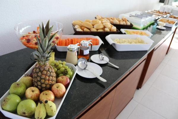 2 diárias (de domingo a quinta) em Suíte Padrão para 2 adultos e 1 criança de até 7 anos + café da manhã por apenas R$349