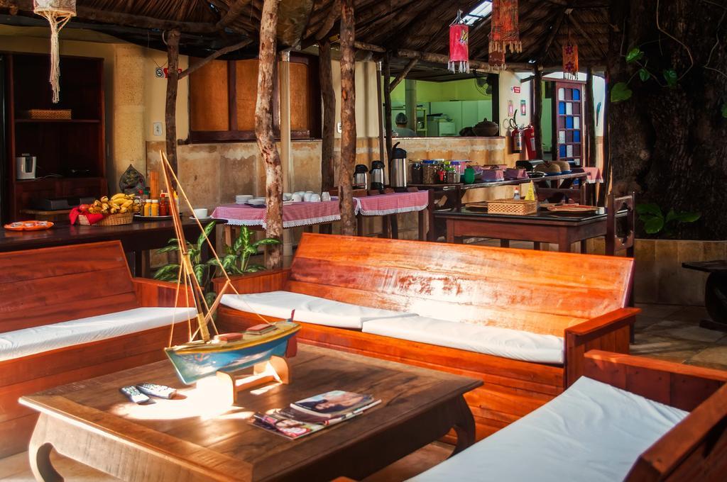 2 diárias (domingo à quarta) para 2 adultos + café da manhã de R$300 por apenas R$210