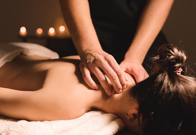 Hora de cuidar do corpo! 40 minutos de Massagem Relaxante com óleos essenciais de R$60 por apenas R$34,90 na Esthetqline