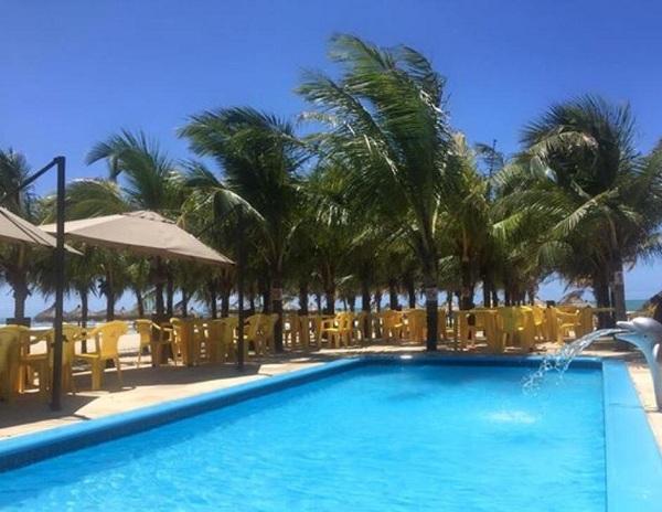 O melhor da praia para você! 01 Tilápia completa acompanha baião e batata + 01 Caipirinha + 01 Pulseira de acesso à piscina por R$39,90