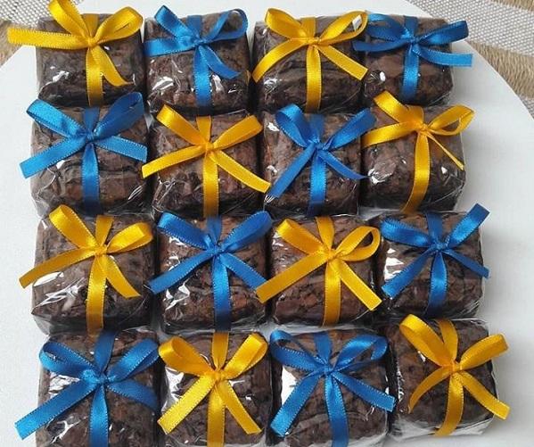 Ideal para sua festa! 30 Mini Brownies de R$89,90 por apenas R$49,90 na Biju Doces