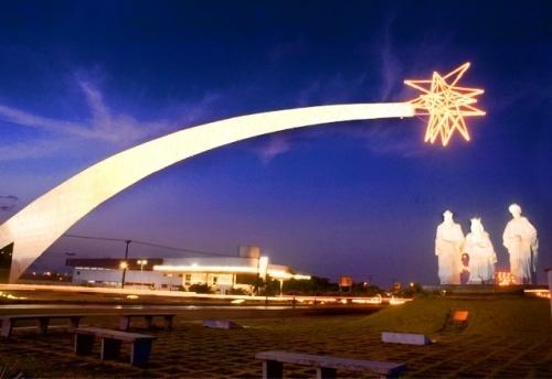 Aniversário da Holliday Viagens! Passeio completo para Natal! Transporte + Hospedagem para 2 pessoas e 1 criança + City tour em Natal por R$339,90. Entrada de R$89,90 + 1x de R$250