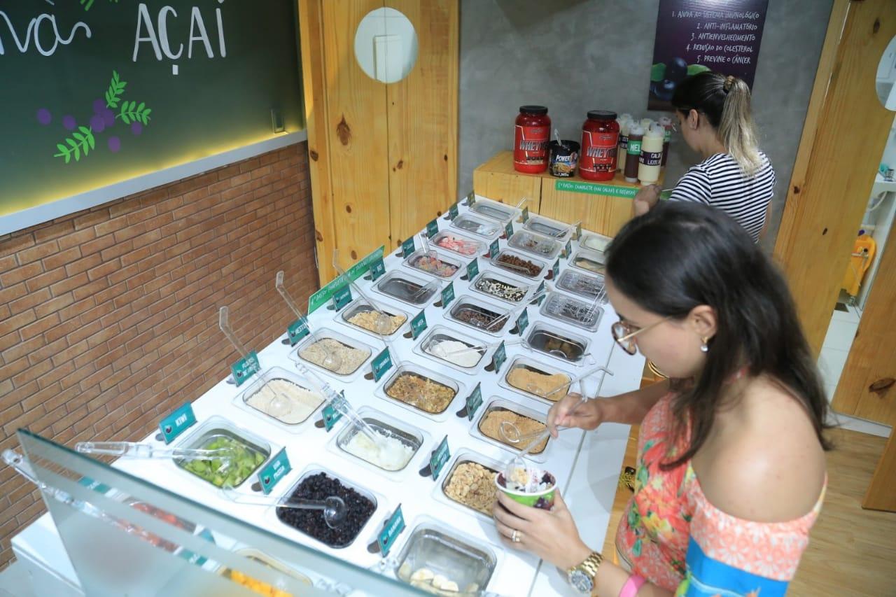 PERFEITO! Açaí Premium! 300g de Açaí ou Creme de Ninho + 30 toppings e coberturas a sua escolha de R$10,17 por apenas R$7,90