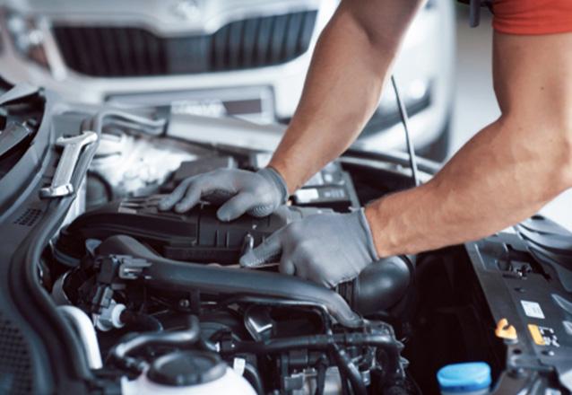 Recarga de Gás Automotivo + Teste de vazamento ou Teste de pressão + Revisão dos itens básicos + Higienização do ar-condicionado (carro pequeno ou médio porte) de R$149 por apenas R$59