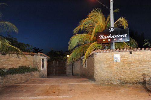 Day Use no Barbanera Club! Tilápia Completa + 3 Acessos à Piscina com borda infinita (para 2 adultos e 1 criança) de R$150 por apenas R$59,90