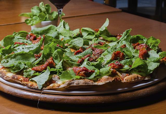Vignoli: eleita 9x pela VEJA a Melhor Pizza de Fortaleza! Entrada + 1 Pizza Grande Salgada + 1 Brotinho Doce por R$79,90. Válido para 3 lojas!