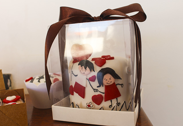 Realizando doces sonhos! Confeitaria da Miriam! Kit com Mini Bolo e Doces para um Dia Especial de R$79,90 por apenas R$49,90