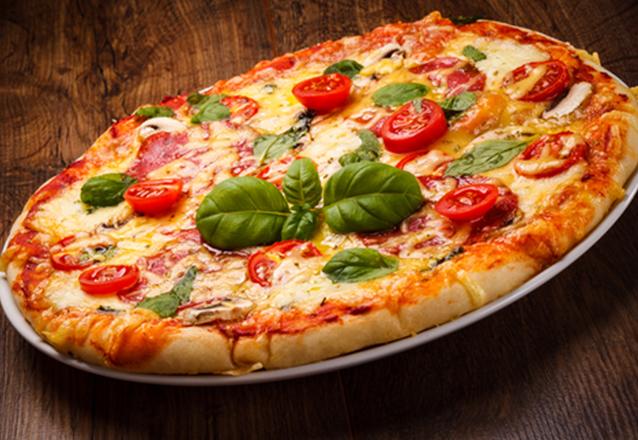 1 Pizza grande (8 fatias) Marguerita, Frango, Nutella ou Calabresa por apenas R$29,90