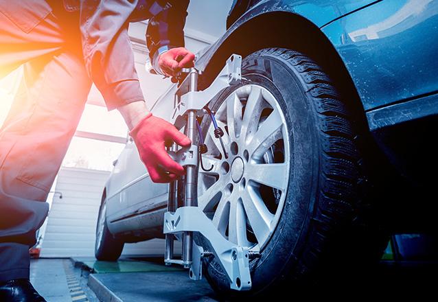Alinhamento + Balanceamento de carro pequeno e médio porte (passeio) de R$99,90 por R$19,90. Ex.: Gol, Celta, Corolla, Siena, Sandero, Civic e similares