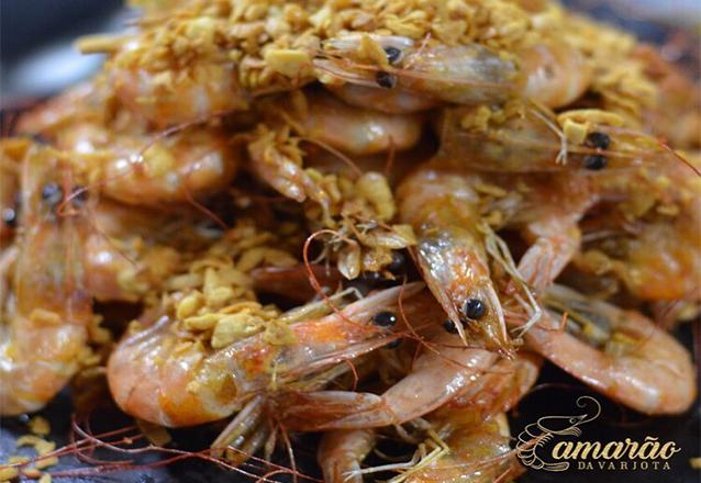 O melhor Camarão é aqui! 1kg de Camarão alho e óleo de R$99,90 por apenas R$49,90 no Camarão da Varjota