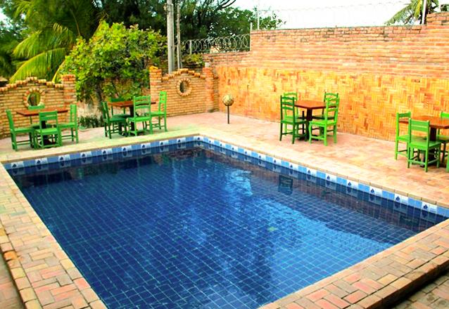 1 diária em apartamento Standard (domingo a quinta) para 2 adultos e 1 criança de até 12 anos de R$200 por apenas R$99,90