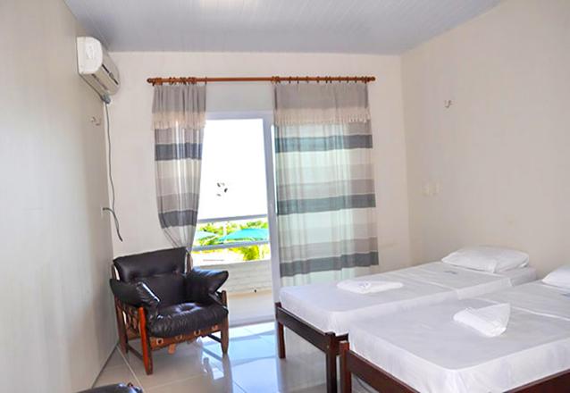 2 diárias para 2 pessoas + 1 criança de até 5 anos em apartamento com ventilador + café da manhã de R$600 por apenas R$329